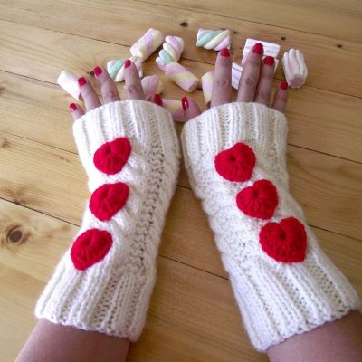 Queen of Hearts Fingerless Mittens
