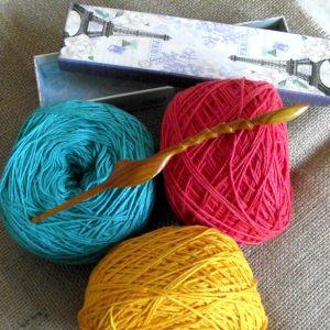 Ergonomic Crochet Hook Wood Crochet Hook Size H/8 5mm