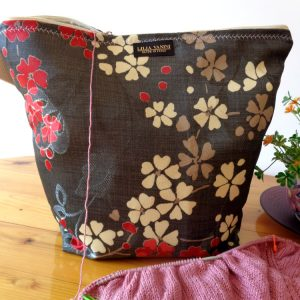Knitting Wristlet Project Bag Large Zippered – Gray Floral – For Knitting and Crochet Projects