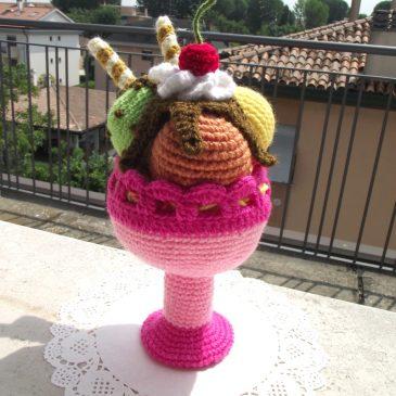 How to Crochet a Mini Ice-cream Cone - YouTube | 365x365