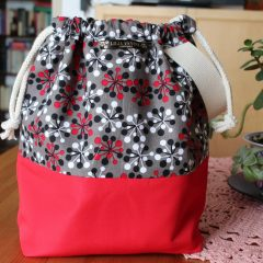 Drawstring Wristlet Knitting Project Bag – Retro Red Black